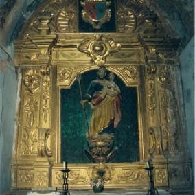 Interior de la iglesia de Puibolea antes del desmontaje y traslado de los retablos.  Altar de Casa Garcés